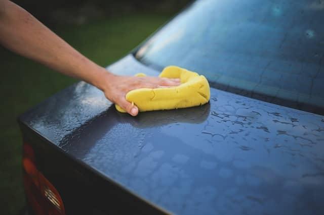 Comment nettoyer efficacement son pare-brise