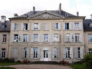800px-HôteldeVilleParcPalaiseau