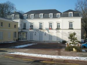800px-Mairie_St_Michel